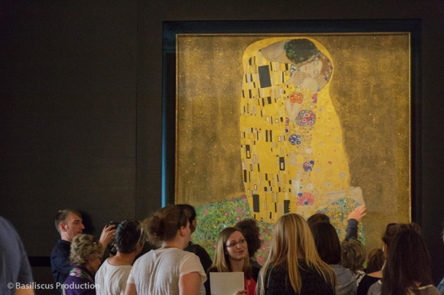 "Masterpieces Revisited: Gustav Klimt ""The Kiss"""
